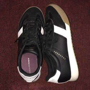 Skechers Street athletic shoe